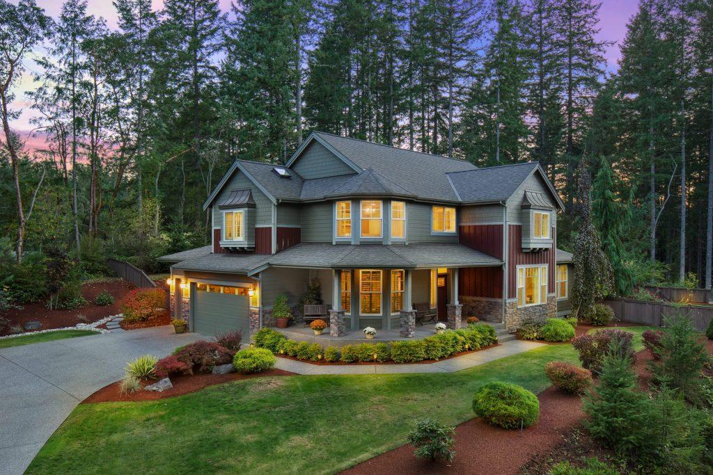 Luxury twilight real estate photographer